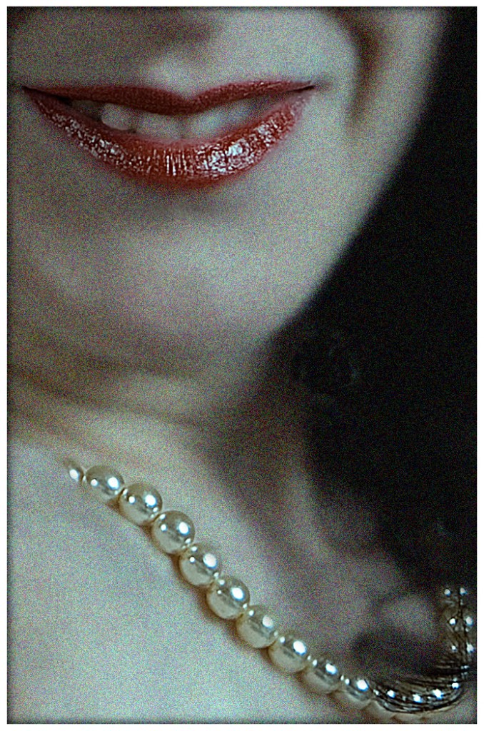 D03_Lips and Pearls_January Open